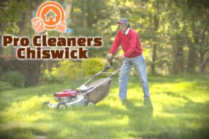 lawn-mowing-chiswick
